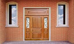 Входные двери с верхней фрамугой